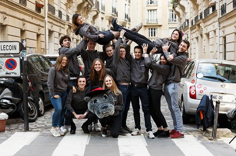 live the experience of a French business school